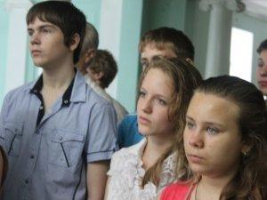 Фото: У Полтаві юним художникам подарували по 100 гривень та поїздку в аквапарк