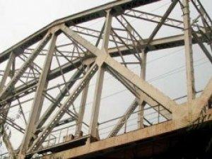 Фото: Під Полтавою 11-річну дитину вразило струмом на залізничному мосту: подробиці