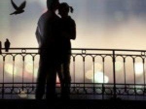Фото: Сьогоднішній вечір обов'язково проведіть з коханою людиною
