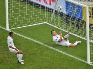 Суддю гри Англія-Україна відсторонили від наступних матчів Євро-2012