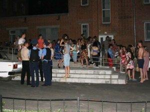 Фото: У Полтаві горів гуртожиток, евакуювали 168 людей