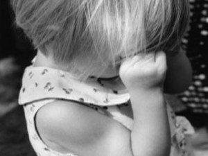 Фото: Загублена 4-річна полтавка пройшла босоніж три кілометри