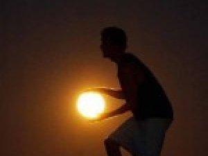Фото: Сьогодні свято Місяця – яскраве світило віщує багатий урожай