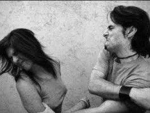 Фото: У Полтаві через ревнощі хлопець надавав ляпасів дівчатам та підстрелив знайомого своєї коханої