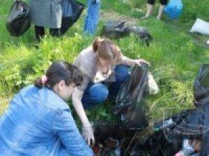 Фото: Полтавцям за прибирання міста обіцяють влаштувати пікнік