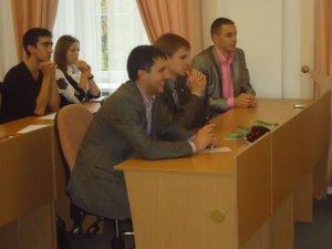 Фото: У Полтаві з молоді робитимуть чиновників (фото)