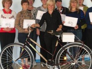 Фото: Велосипеди дадуть тим полтавським листоношам, котрі намотують 8 кілометрів