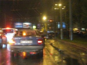 Фото: У Полтаві легковика зім'яв спочатку екскаватор, а потім автобус