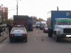 Фото: У Полтаві не розминулись дві вантажівки: одне авто віднесло на «Шкоду»  (фото)