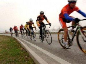 Фото: Дату закриття велосезону у Полтаві перенесли