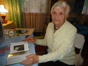Фото: Ув'язнена німцями вагітна полтавка співала під час весілля Лялі Убийвок. Історія життя
