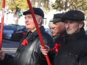 Фото: Полтавці відзначили 95-річчя початку Жовтневої революції (фото)