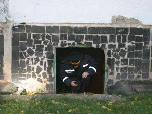Фото: У полтавських підвалах шукали безхатьків (фото)