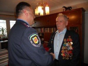 Фото: Напередодні свята привітали одного з найстарших ветеранів міліції в Полтаві