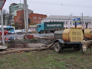 Фото: У Полтаві за два дні до планового ремонту протік водопровід