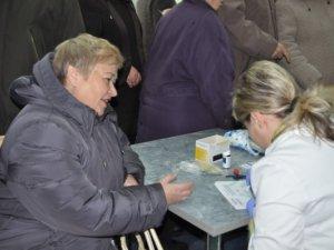 Фото: Сьогодні полтавці мали змогу безкоштовно виміряти цукор у крові
