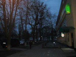 Фото: У Полтаві джип проїхався по пам'ятнику Раїсі Кириченко (фото)