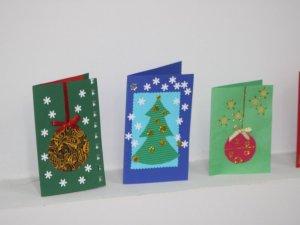 Фото: Полтавців навчають виготовляти благодійні новорічні листівки