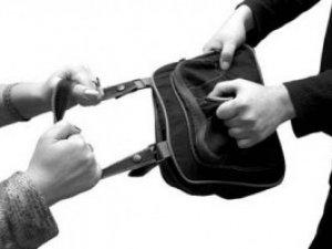 Фото: Полтавець, щоб помиритись із мамою й бабусею, пограбував двох пенсіонерок