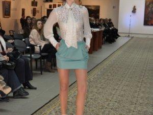 Фото: Полтавська мода: юний дизайнер презентувала колекцію одягу