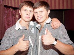 Фото: Близнюки з Полтави розсмішили коміків на 10 тисяч і зіграли з Євгеном Кошовим