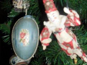 Фото: У полтавському музеї В.Г. Короленка ялинки прикрашають сторічними іграшками (фото)