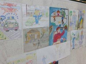 Фото: Маленькі полтавці намалювали як бачать професію міліціонера