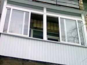 Фото: У Полтаві жінка через падіння з вікна впала в кому