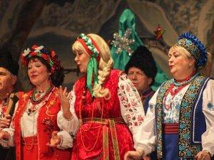 Фото: Театр народної пісні дав різдвяний концерт у Полтаві (фото)