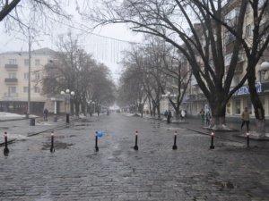 Фото: Пішохідну частину Жовтневої у Полтаві перегородили (фотофакт)