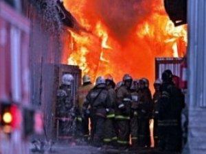 Фото: У Полтаві на критому ринку гасили пожежу