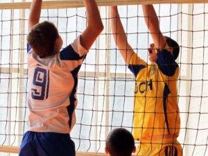 Фото: У Полтаві пройшов фінал волейбольної спартакіади школярів області. Фотоогляд.
