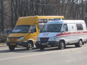 Фото: У Полтаві водії  не пропускали карету швидкої та рятувальників (фото)