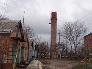 Фото: У селі під Полтавою падає водонапірна башта (фото)