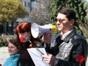 Фото: У Полтаві комуністи відзначили день народження Леніна мітингом. Фотоогляд.
