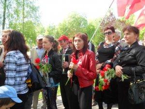 """Фото: Полтавські комуністи на першторавневому параді співали """"Катюшу"""""""