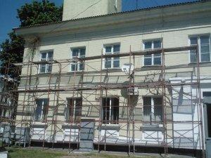Фото: Пожежне депо в Полтаві готують до ремонту: вежу з годинником не чіпатимуть (фотофакт)