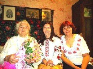 Фото: 101 річна полтавка Ольга Майборода співає оперні арії