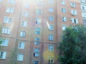 Фото: Жителі будинку, в якому жила родина Кириченків: чоловік дуже тужив за дружиною