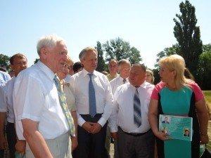 Фото: На Полтавщині міністр розповів про створення закритих полів, де вирощуватимуть зерно з ГМО
