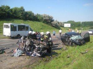 Фото: У ДТП під Полтавою загинуло троє людей (+ фото, карта)