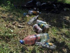 Фото: Обгорілий труп знайшли біля банки із кров'ю. Розповіді очевидців та фото