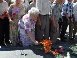 Фото: У Полтаві відзначили День скорботи. Фотоогляд