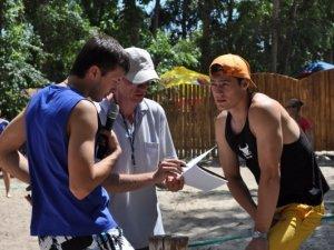 Фото: Пляжний волейбол у Полтаві зібрав аматорів