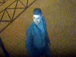 Фото: Полтавська міліція опублікувала фото чоловіка, який наїхав на пам'ятник Кириченко
