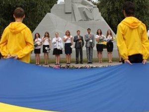 Фото: У Полтаві почали готуватись до Дня прапора та річниці незалежності України