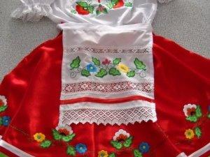 """Фото: Підприємство """"Леся Українка"""" зберігає традицію вишивки у Полтаві (+ фото)"""