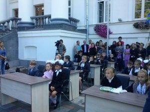 Фото: Біля міської ради Полтави провели мітинг-урок