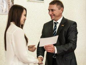 Фото: Полтавку Тамару Стенкову, чемпіонку світу з пауерліфтингу, нагородили грошовою премією в 10 тисяч