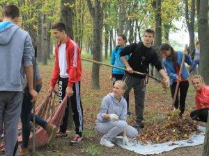 Фото: «Молоді регіони» Оржиці організували «Велике прибирання»